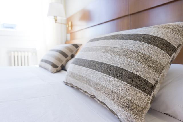 pillows, bed, bedding